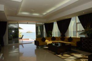 Royal Beach Hotel & Resort-min